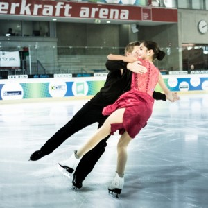 figure_skating_team