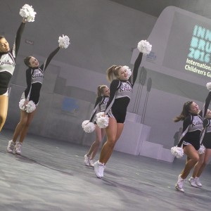 day02_opening_ceremony_olympia_world_raiderettes_cheerleader_ (2)